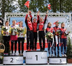 women relay podium